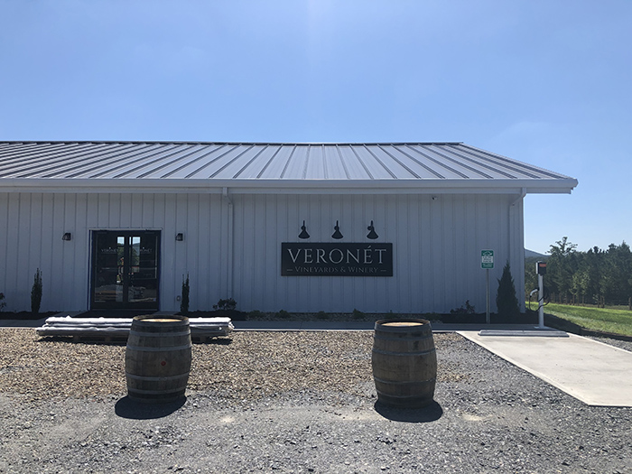 Veronet Vineyards and Winery exterior front