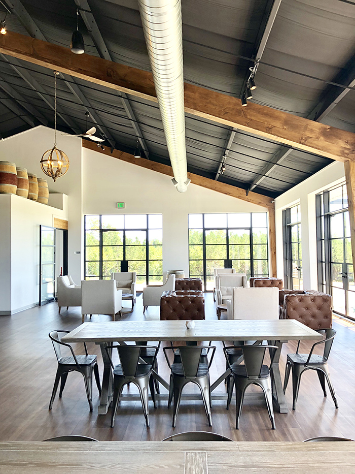 Veronet Vineyards and Winery tables