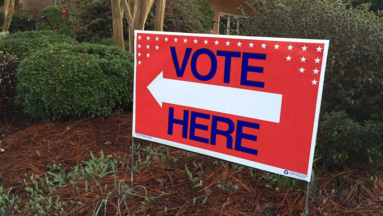 Election guide: Mecklenburg County needs you (and 750+ people) to be a poll worker