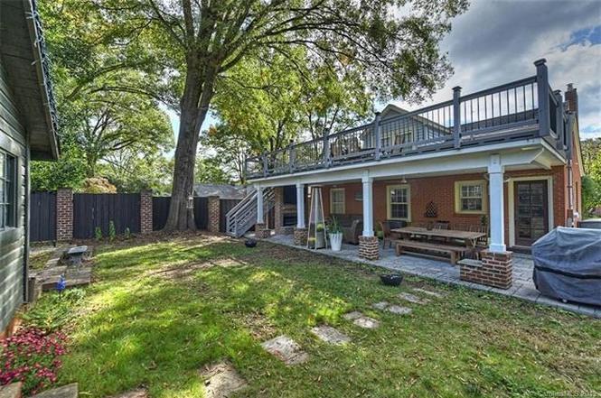 3201 Commonwealth Ave. backyard