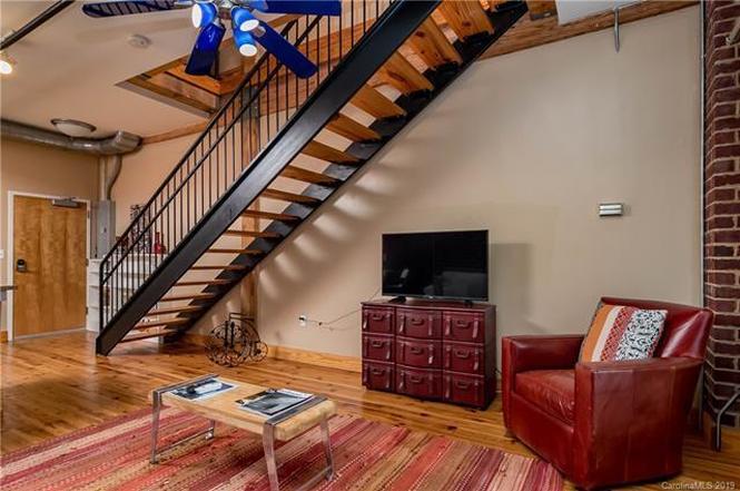 3205 N Davidson St #207 living room