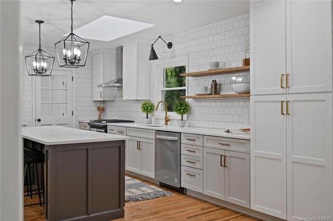 6736 Wheeler Drive kitchen