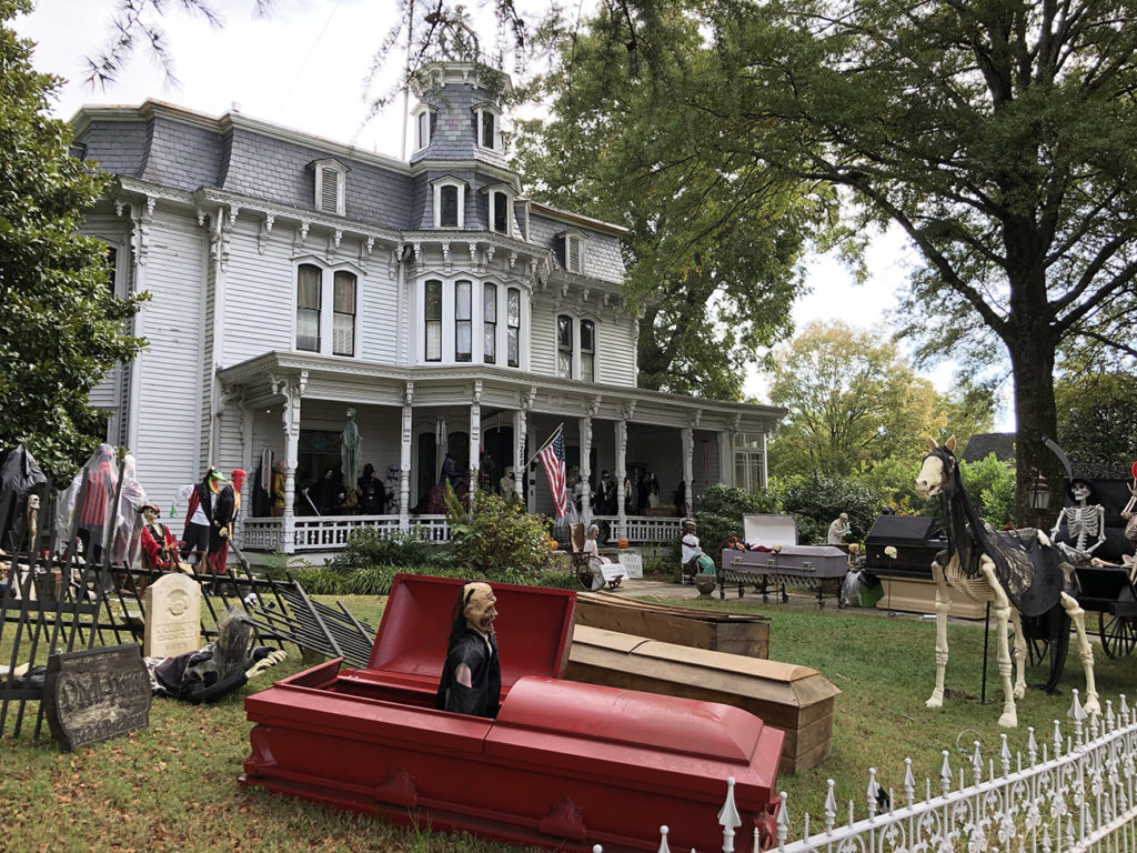 Does this house have the best Halloween decorations in the Charlotte area?