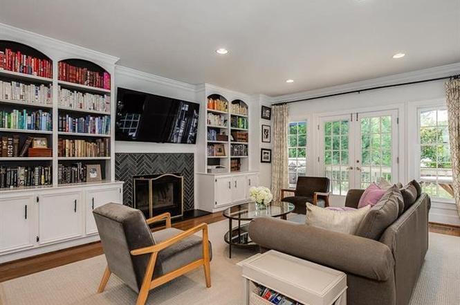 142 Altondale Ave living room