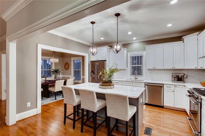 1529 Merriman Ave. kitchen