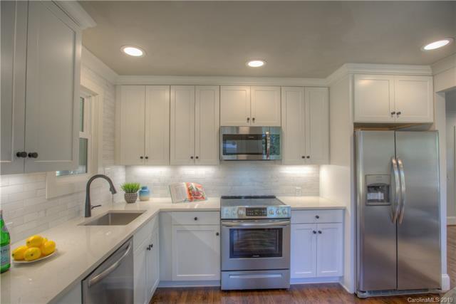 1713 Shamrock Drive kitchen