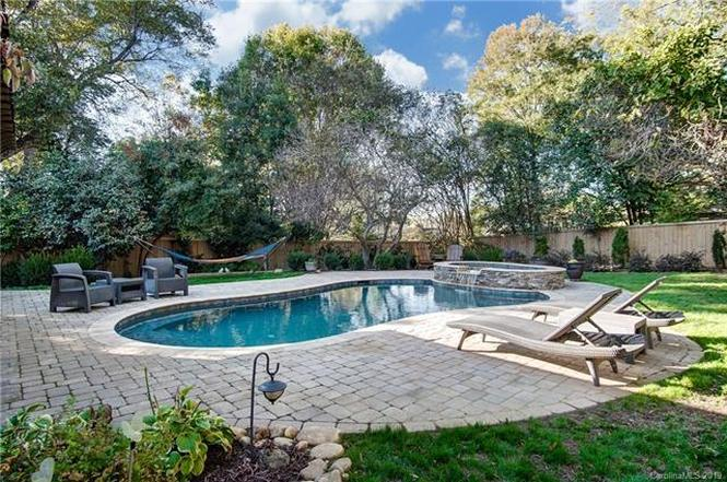 2209 Hassell Place pool