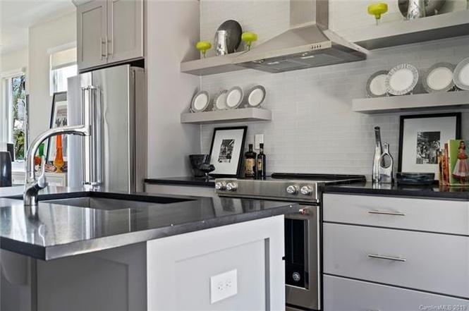 519 Sedgefield Park Dr #30 kitchen