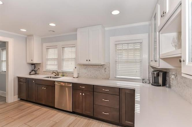 804 Walnut Ave. kitchen