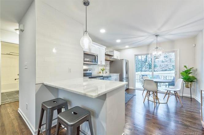 3214 Erskine Drive kitchen