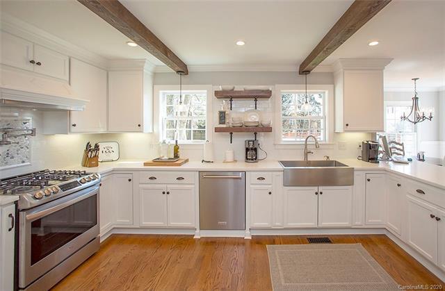 10821 Fruitland Road kitchen