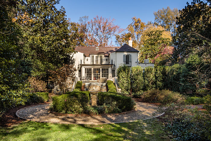 2208 Sherwood Avenue backyard