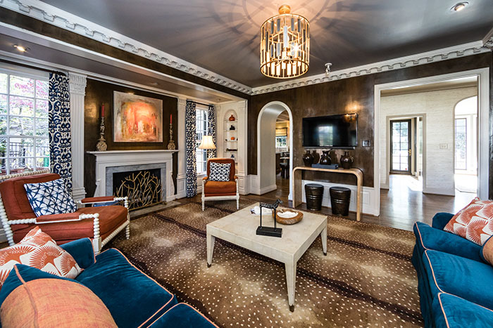 2208 Sherwood Avenue family room