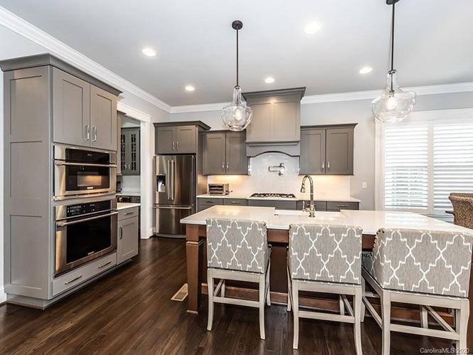 3610 SHARON RIDGE LANE kitchen