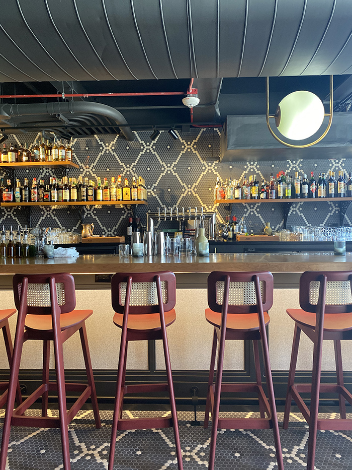 billysunday-nowopen-bar