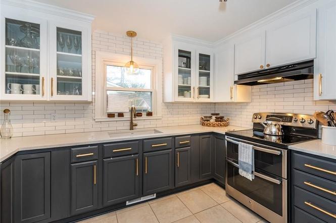1520 Starbrook Drive kitchen