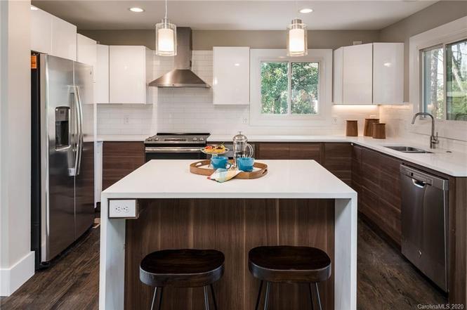 1522 Pine Tree Dr kitchen
