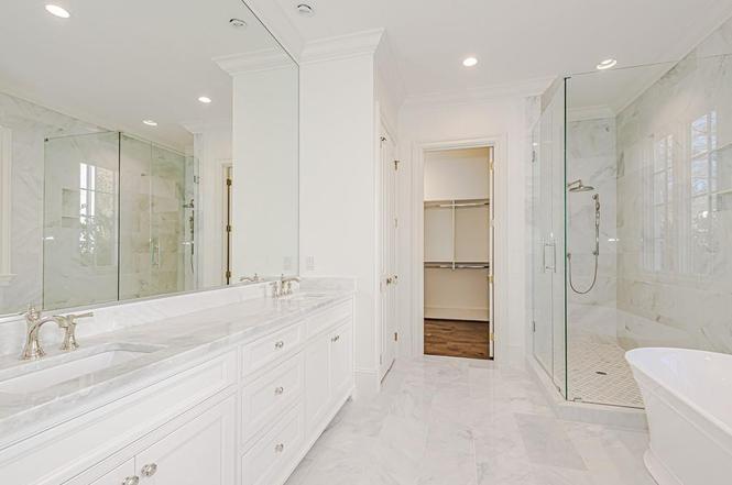 2423 Vernon Dr bathroom
