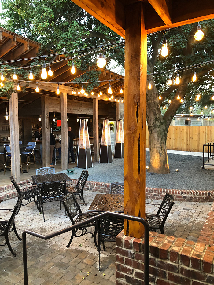patio at goodyear house in noda