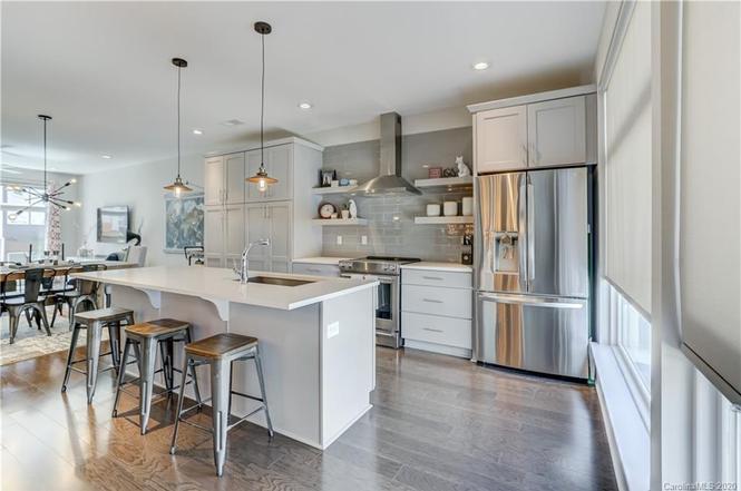 2442 Brelade Pl kitchen