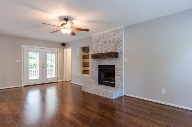 10451 Fairway Ridge Rd living room