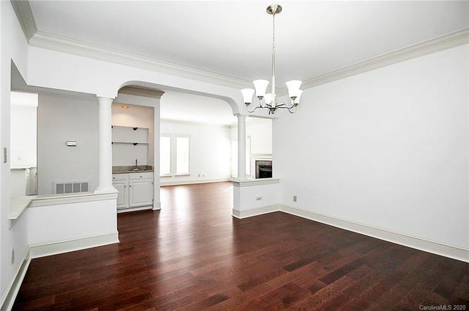 325 Queens Rd #11 interior