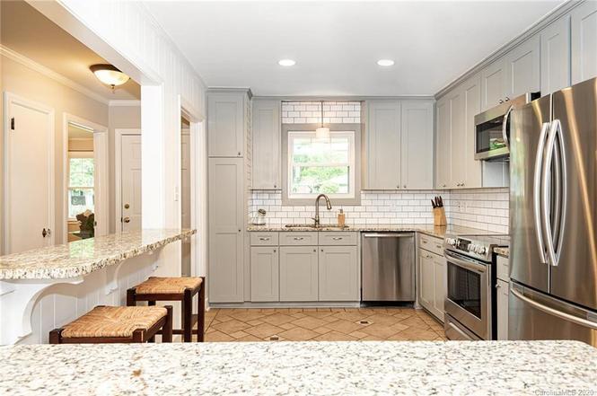 5234 Seacroft Rd kitchen