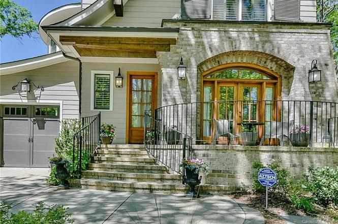 725 Ideal Way porch