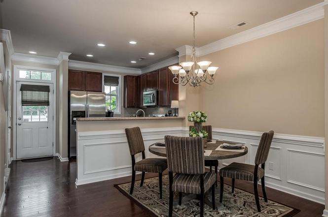 9511 Longstone Ln kitchen