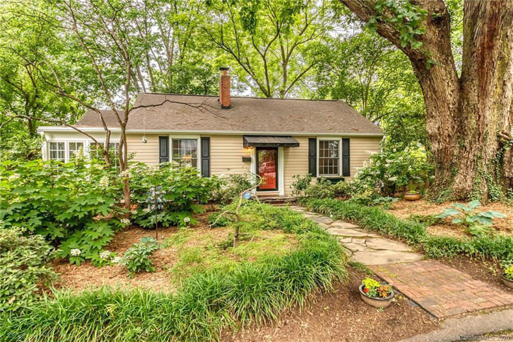 Hot homes: 10 houses for sale in Charlotte right now, priced $400K and under
