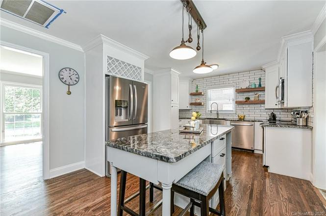 4231 Maypole Ct kitchen