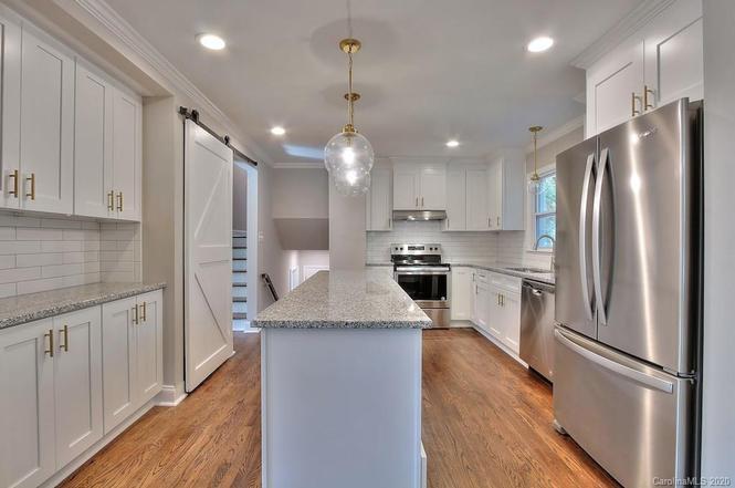 6900 Heatherford Dr kitchen