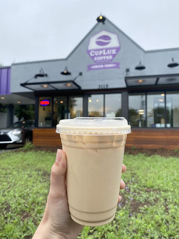 cuplux latte iced caramel