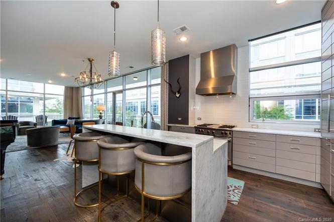 1100 Metropolitan Ave #203 kitchen