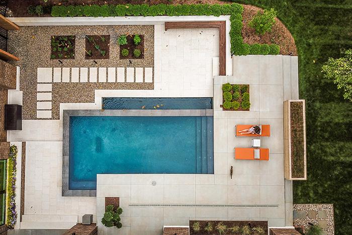 2020-Finalist-Mid-Century-Modern-pool