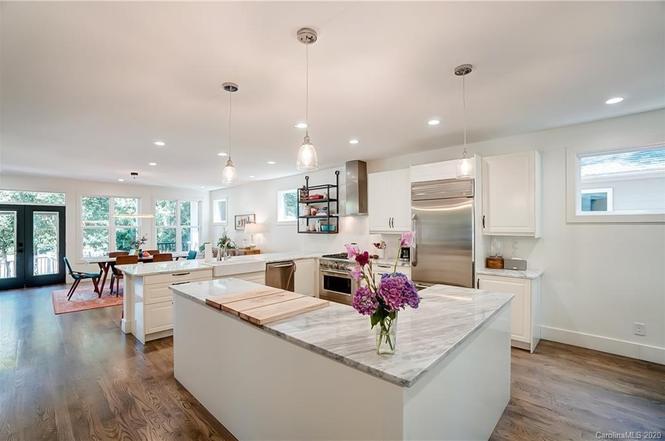 2131 Eaton Rd kitchen