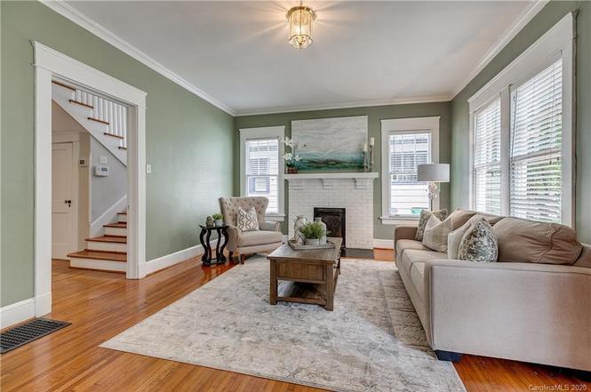 2214 Sarah Marks Ave living room