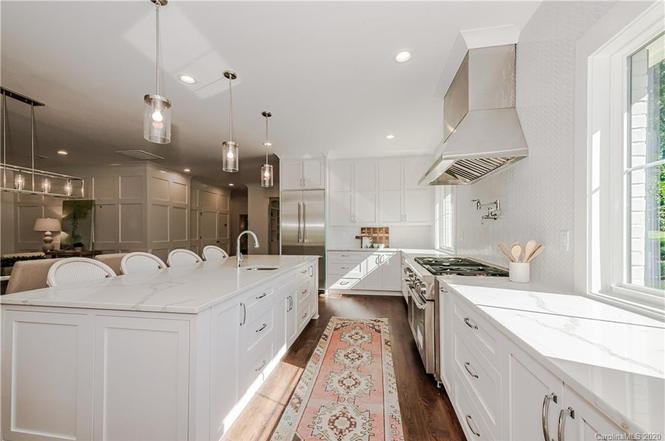259 S Canterbury Rd kitchen details