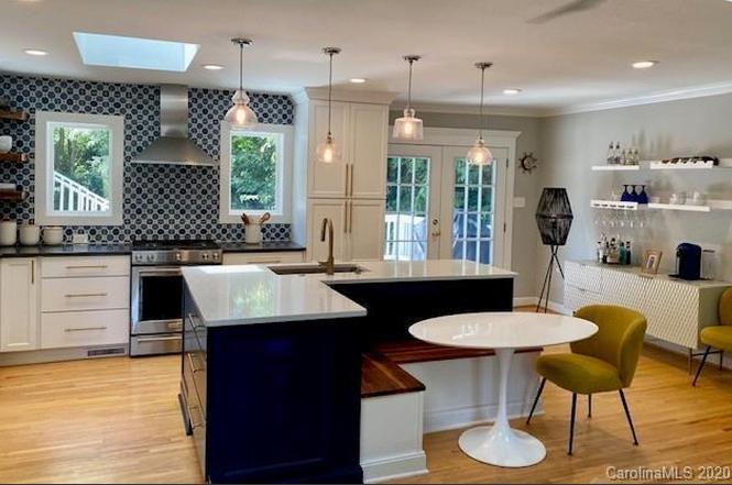 4024 Tyndale Ave kitchen