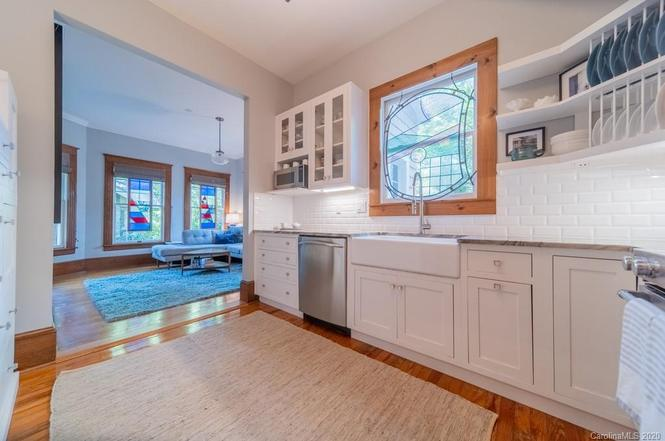 509 Louise Ave kitchen