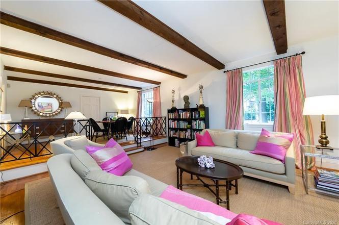 907 Ardsley Rd #1 living room