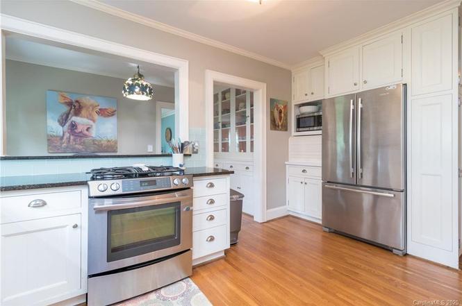 10 cedar st kitchen