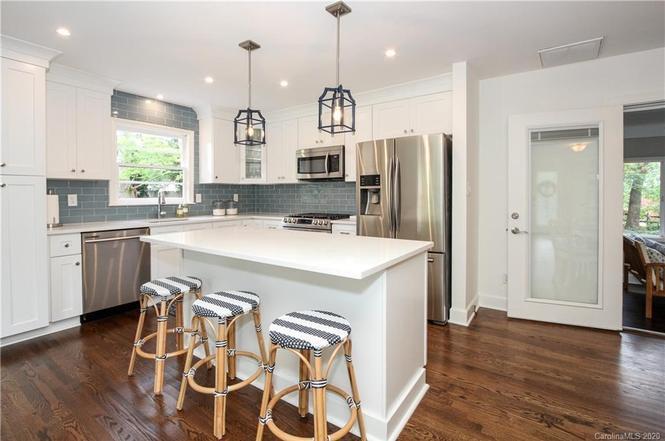 7215 Rockledge Dr kitchen