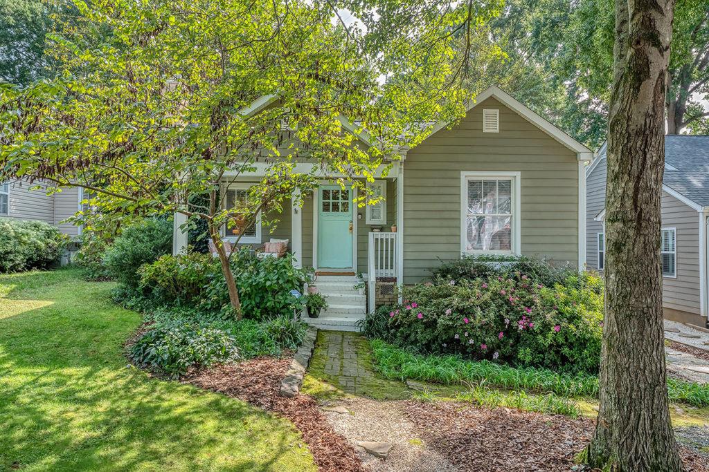 Home tour: Former SouthPark Magazine editor says goodbye to Plaza Midwood bungalow