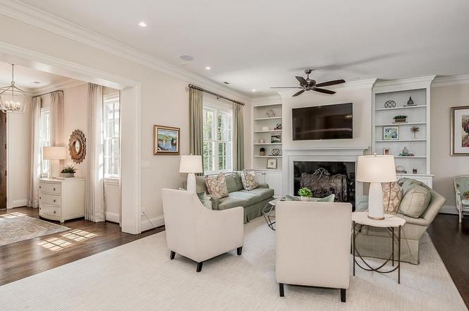 2623 Colton Dr living room