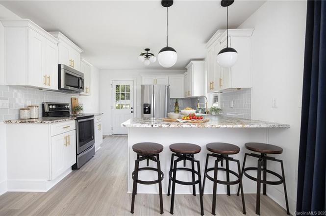 501 Seldon Dr kitchen