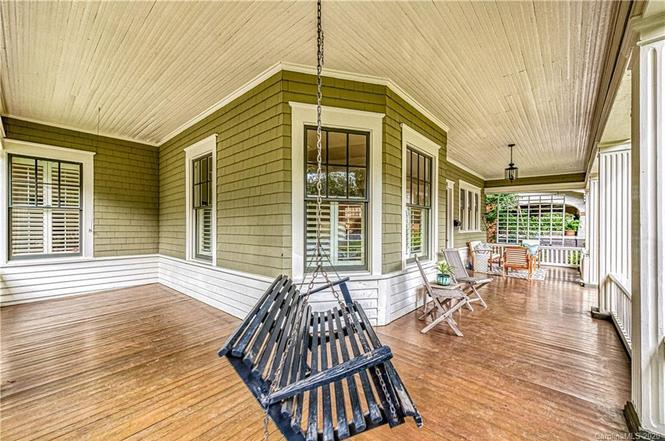 828 E Worthington Ave porch