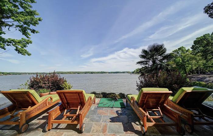 Breathtaking view lounge