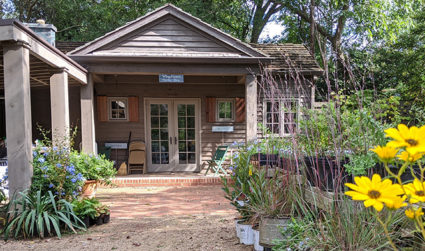 Wing Haven's Fall Plant Sale