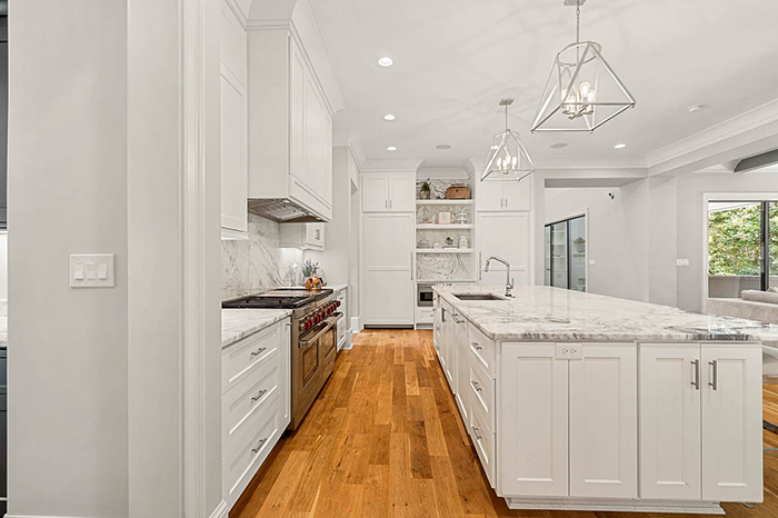 Mike Tolbert's house asks $2.4M kitchen 2